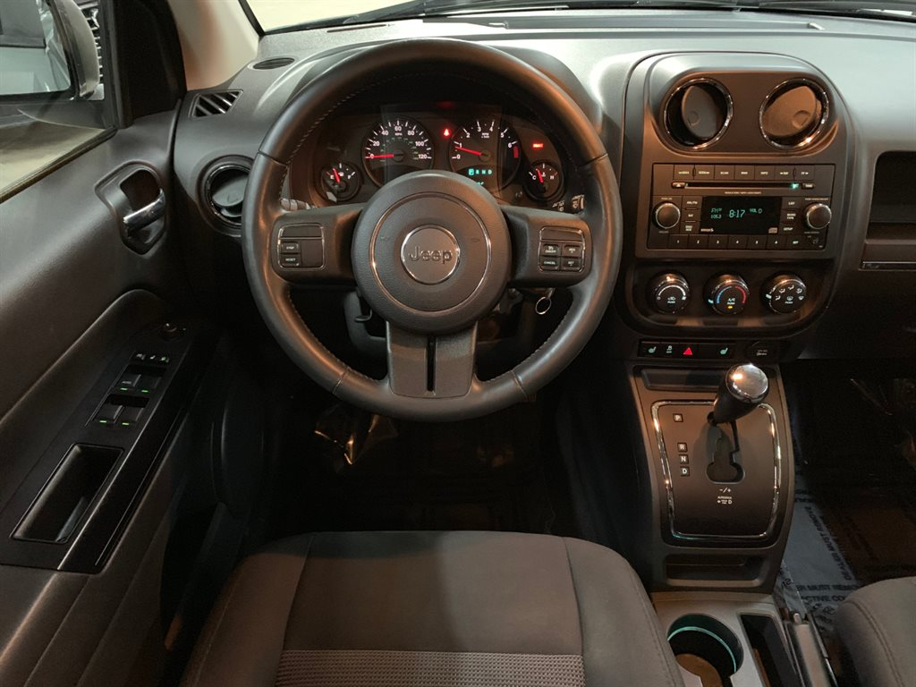 2012 Jeep Compass Latitude photo