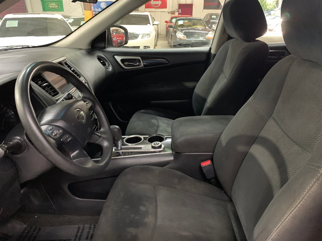 2015 Nissan Pathfinder S photo