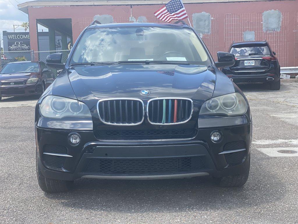 The 2012 BMW X5 xDrive35i photos