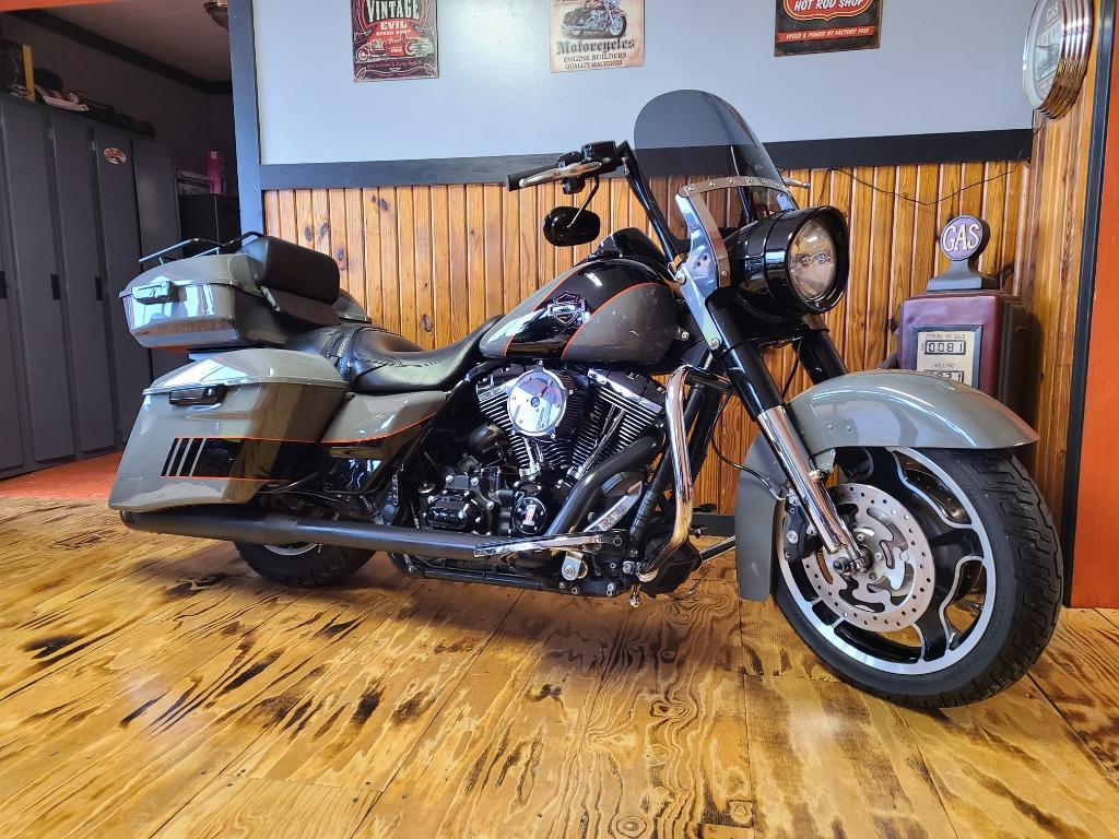 2012 Harley-Davidson FLHR Road King