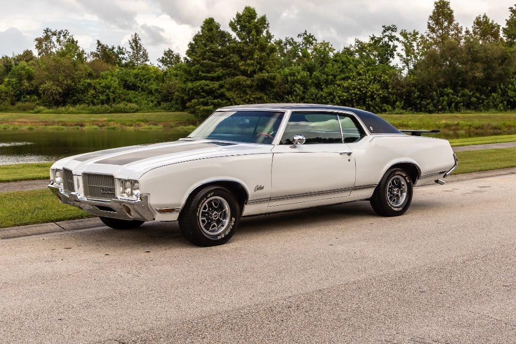 1971 Oldsmobile Cutlass Supreme 2 DR