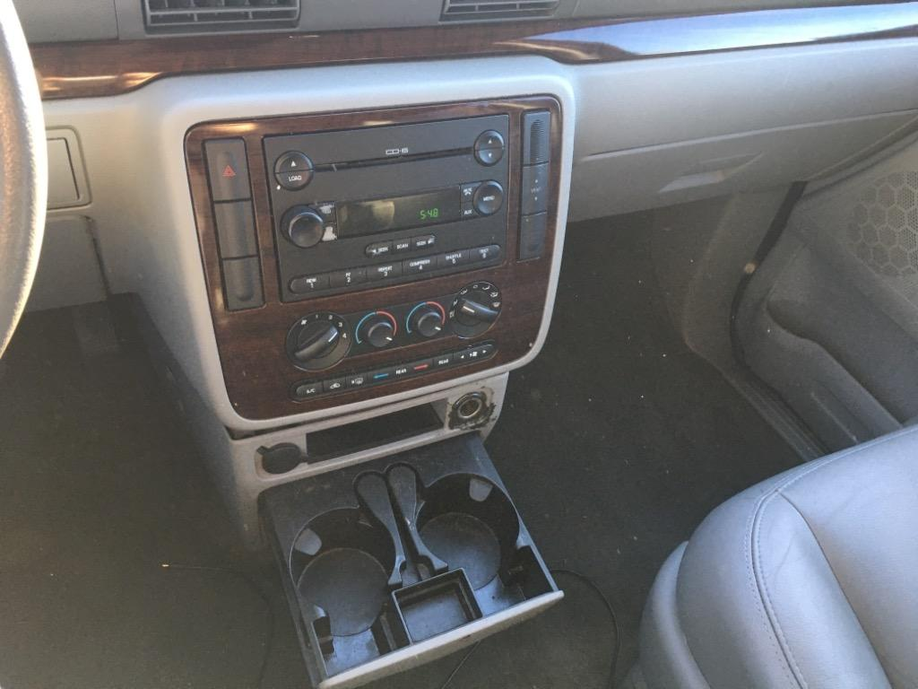 2006 Ford Freestar SEL photo