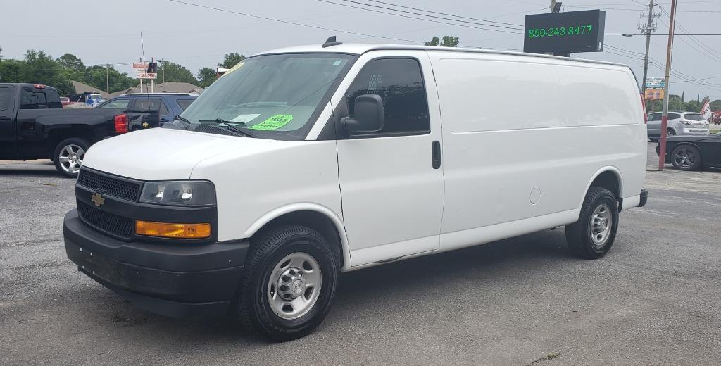 The 2018 Chevrolet Express Cargo G3500 photos