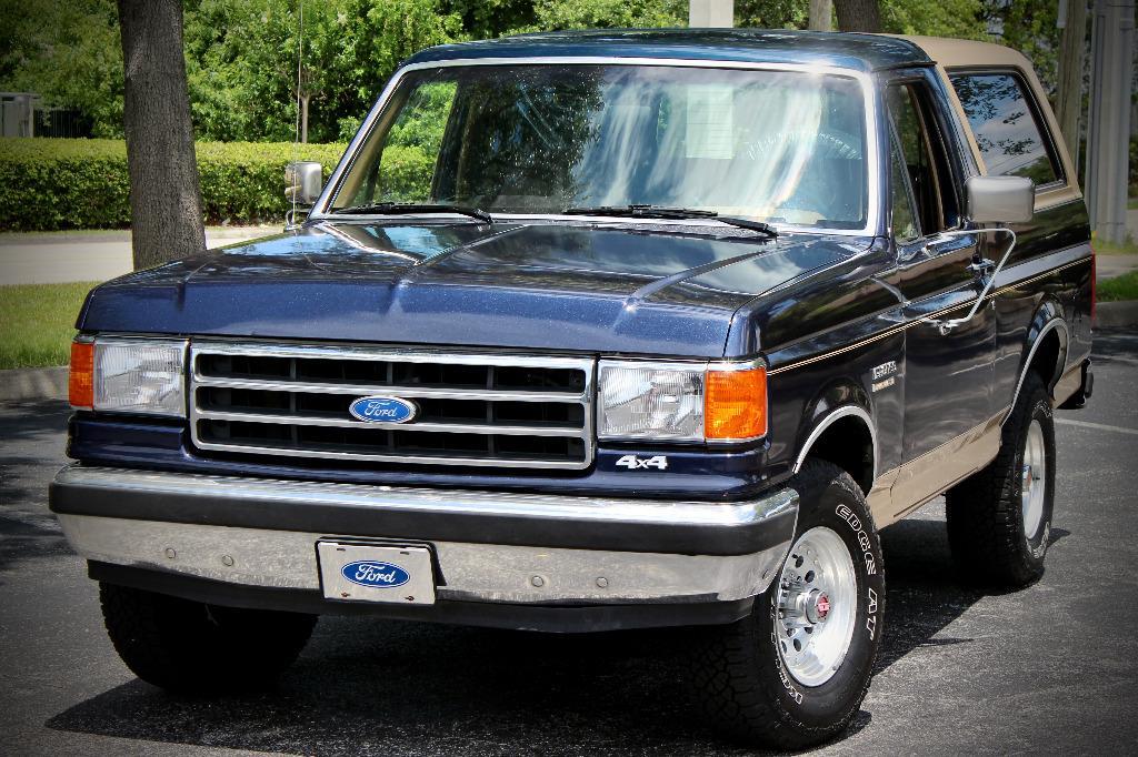 1991 Ford Bronco XLT Nite photo