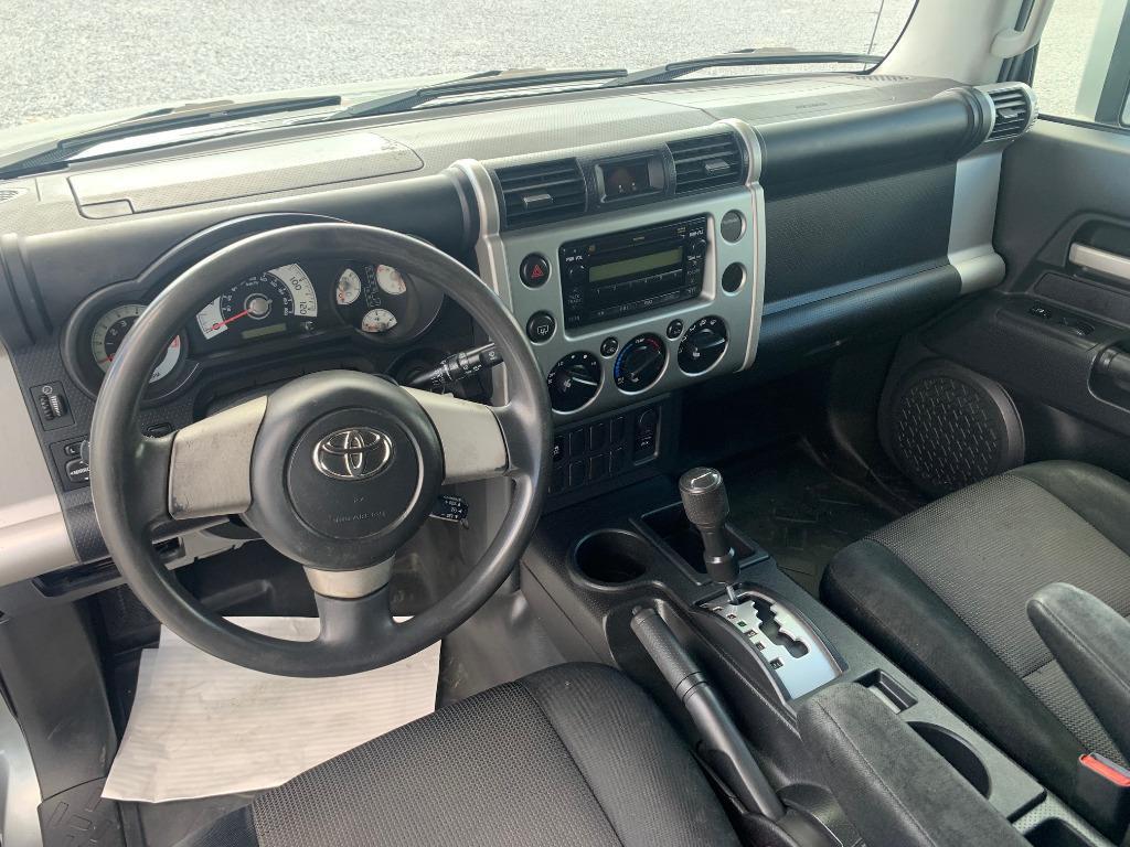 2010 Toyota FJ Cruiser photo
