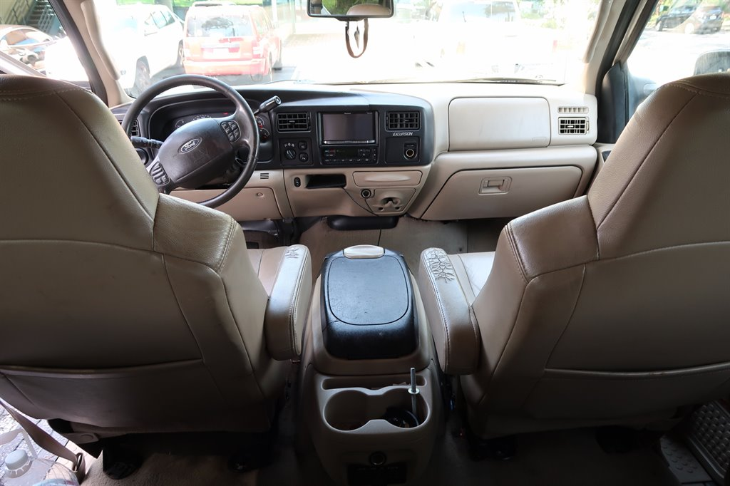 2005 Ford Excursion Limited photo