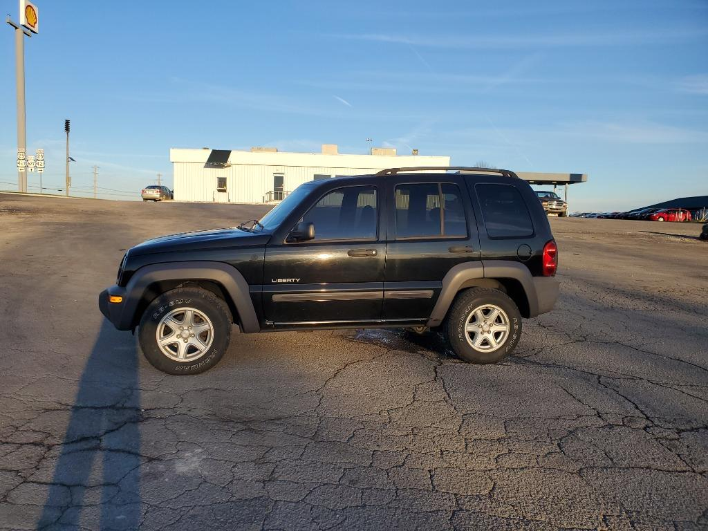 2004 Jeep Liberty Sport photo