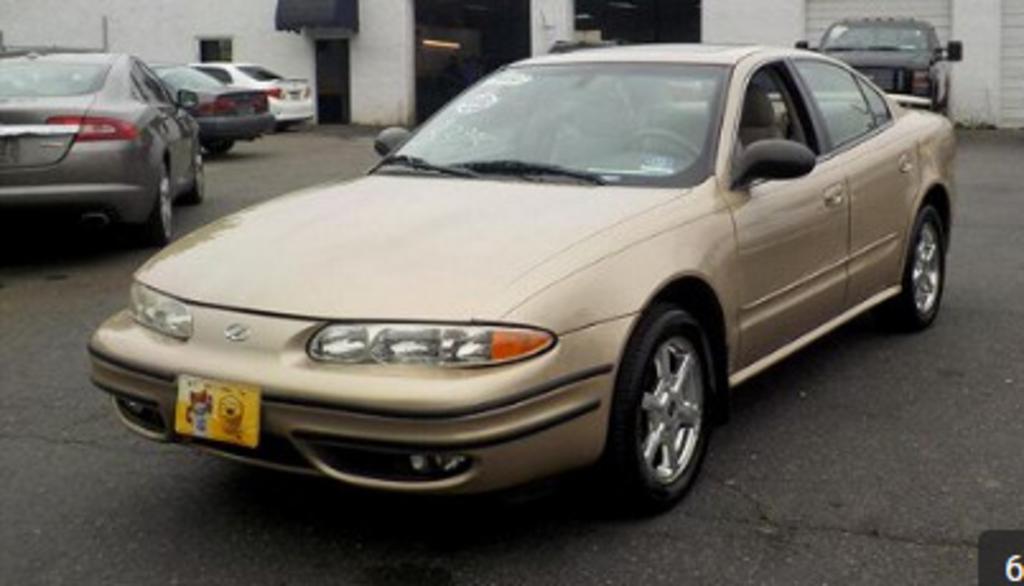 2002 Oldsmobile Alero GLS photo
