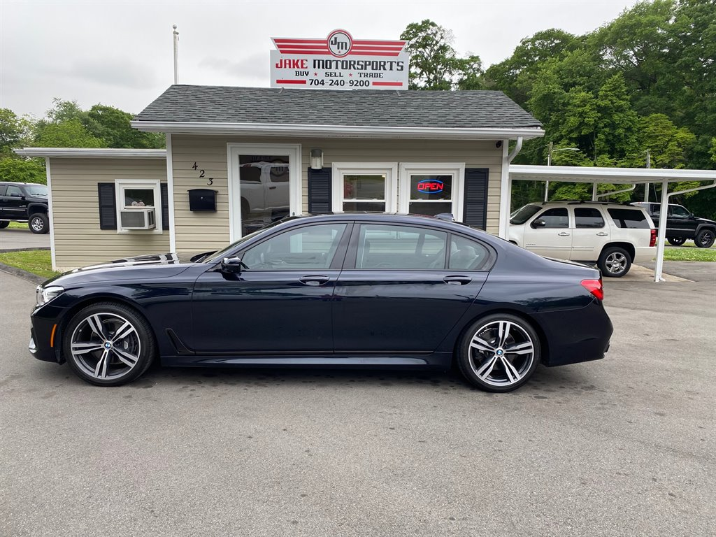 2016 BMW 7-Series 740i photo