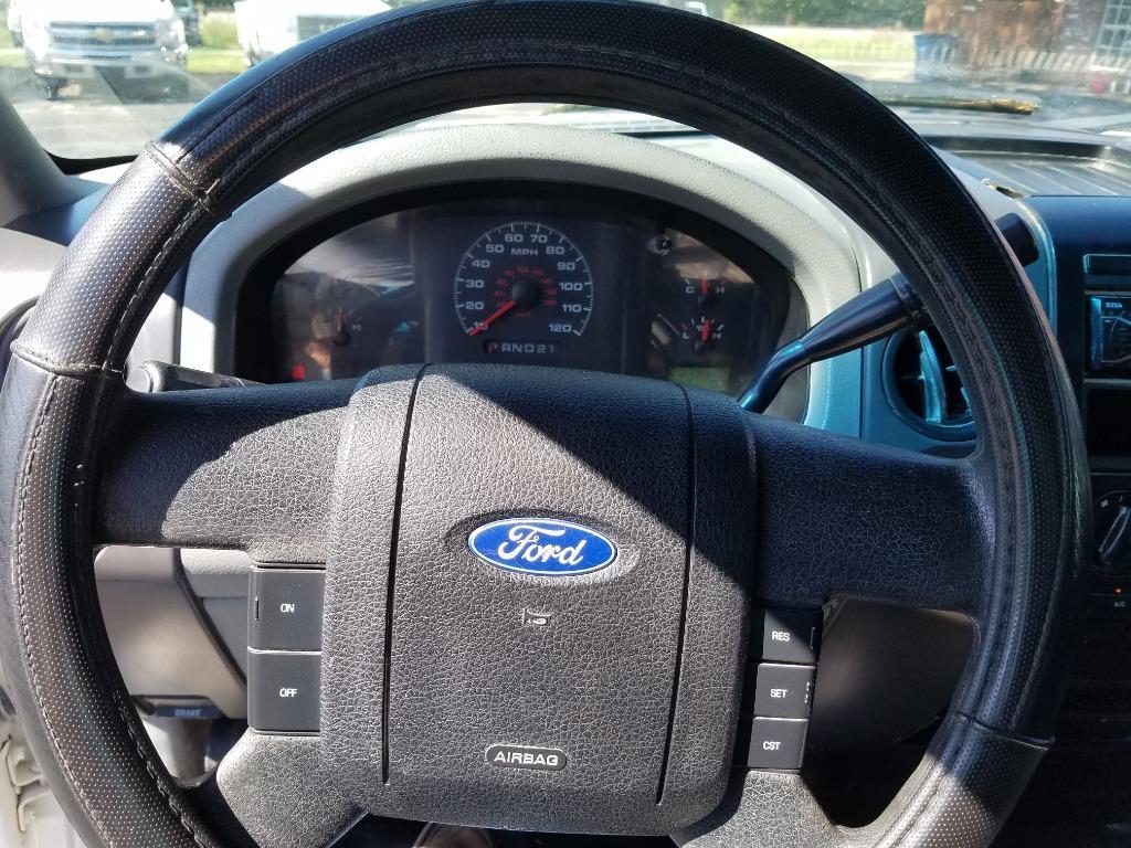 2006 Ford F-150 XL photo