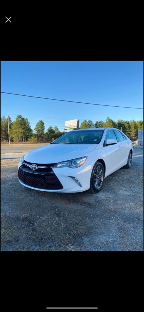 2015 Toyota Camry XLE photo
