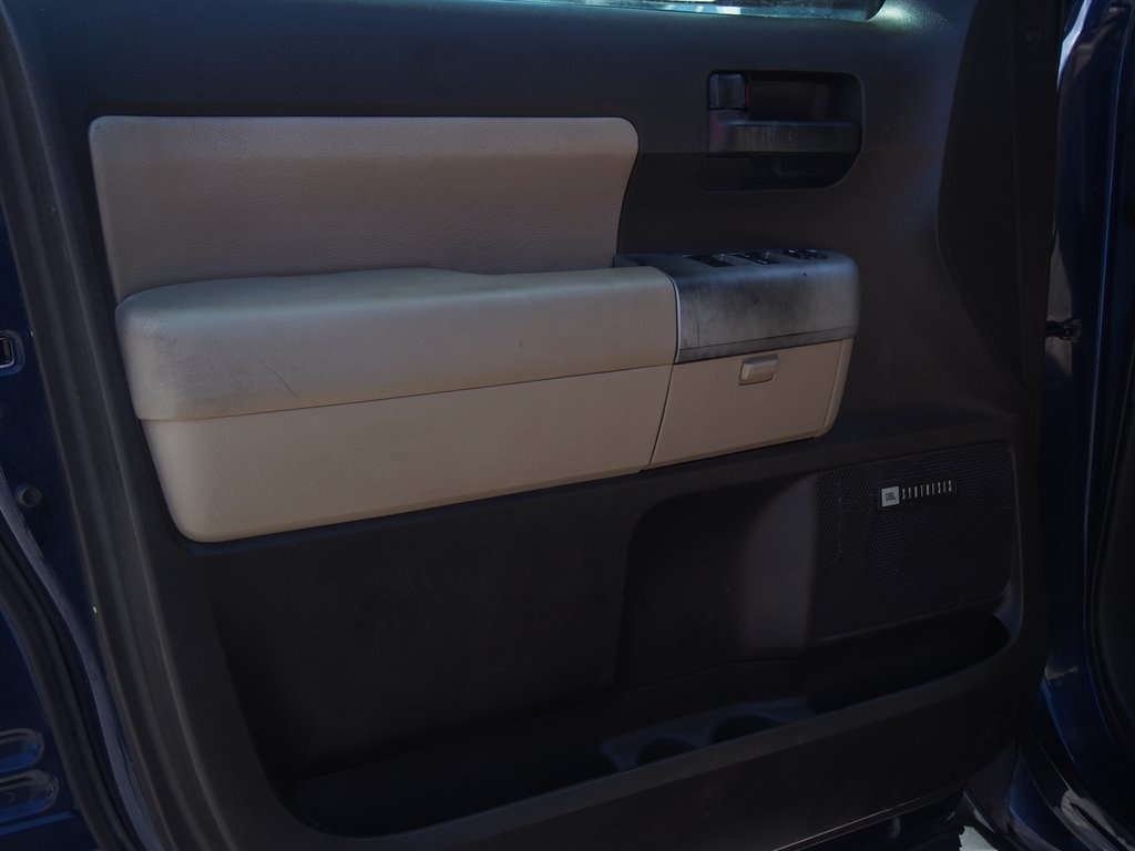 2008 Toyota Sequoia SR5 photo