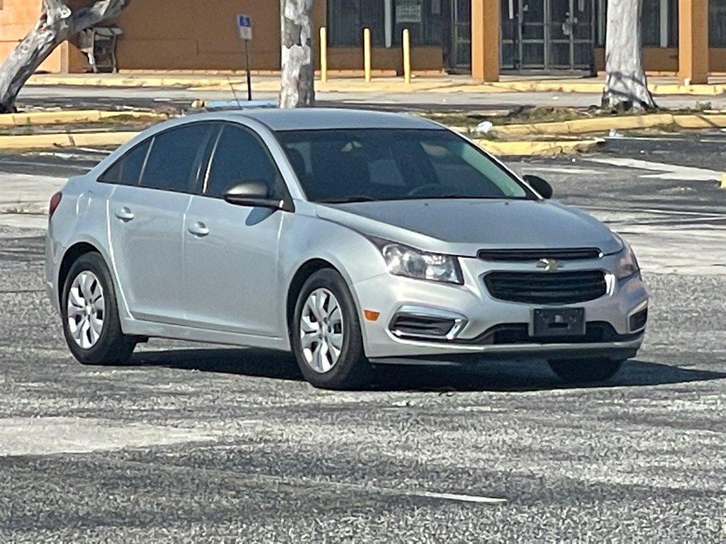 2015 Chevrolet Cruze LS photo