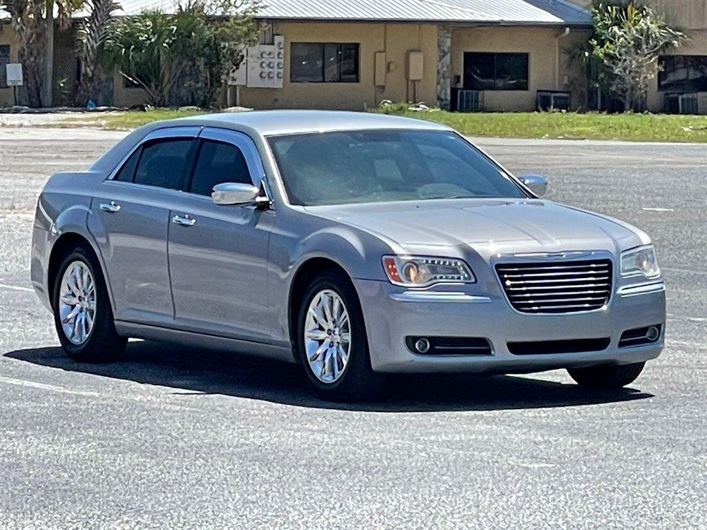 2011 Chrysler 300 Limited photo