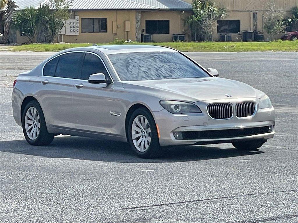2013 BMW 7-Series 750i  photo