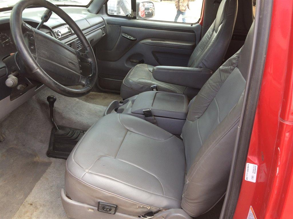 1996 Ford Bronco XLT photo