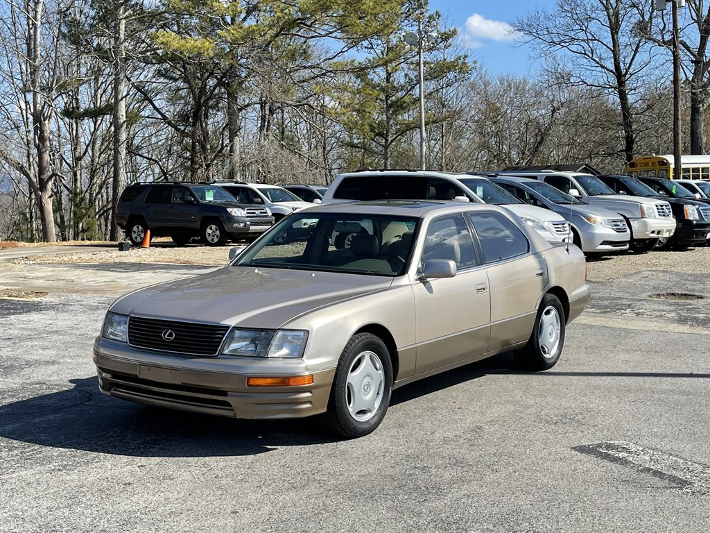 The 1997 Lexus LS 400 photos