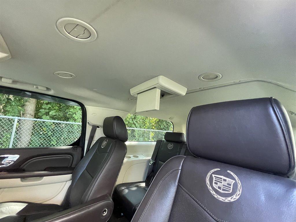 2012 Cadillac Escalade ESV Platinum Edition photo