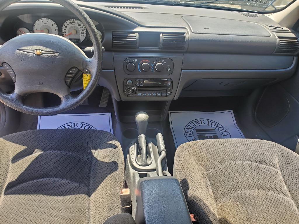 2004 Chrysler Sebring LX photo