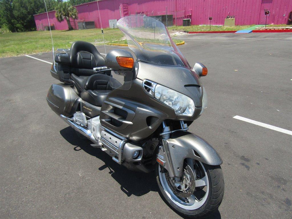 The 2004 Honda GL1800  photos
