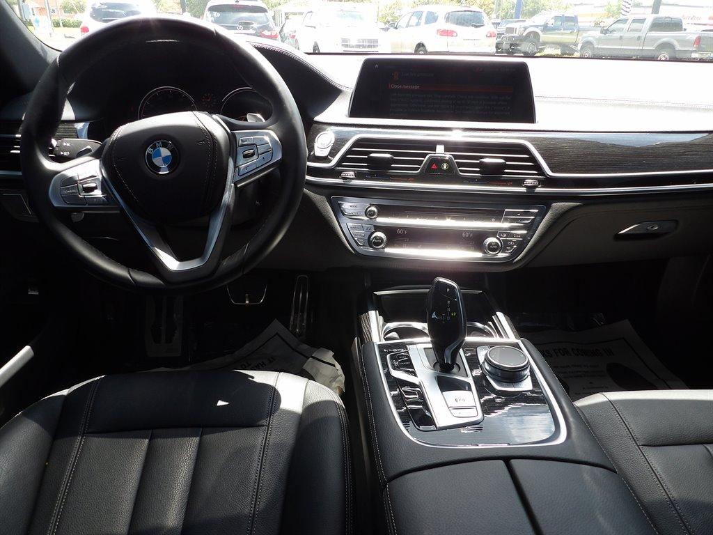 2019 BMW 7-Series 740i photo