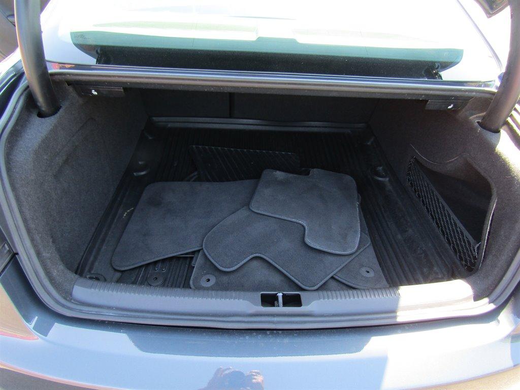 2009 Audi A5 quattro photo