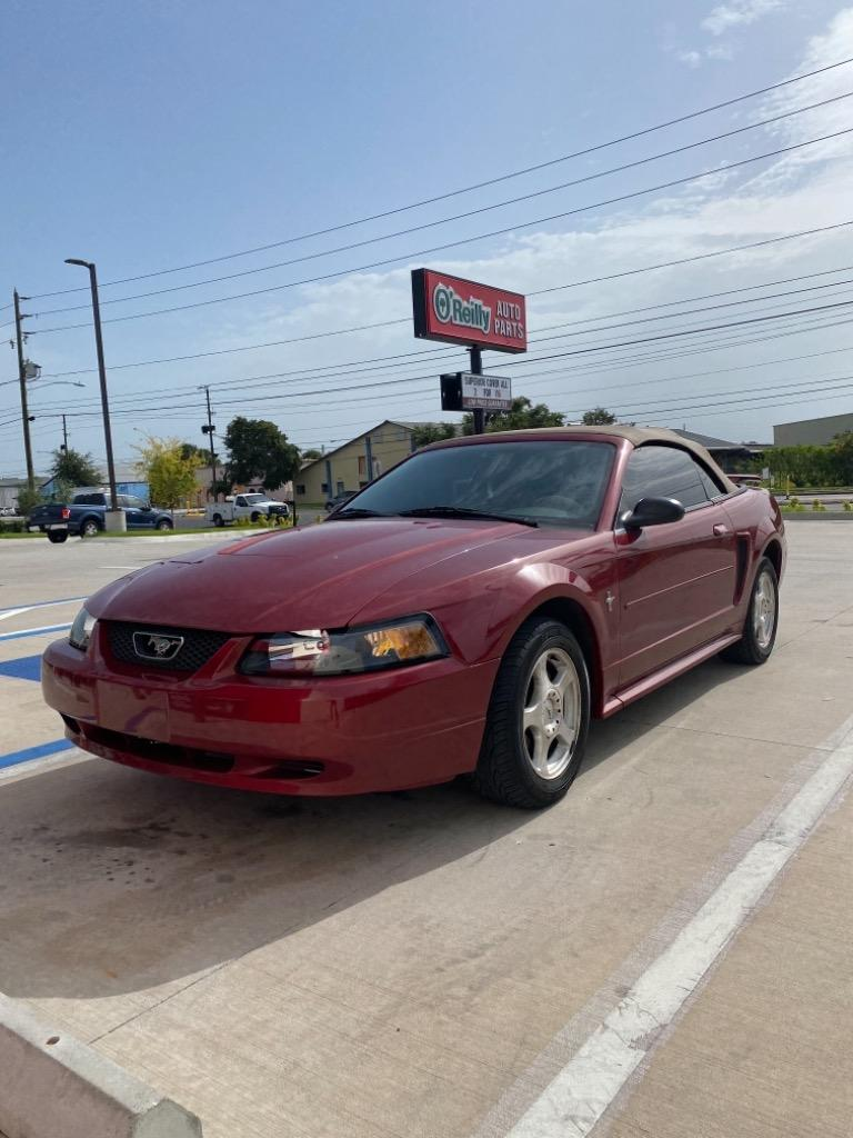 2003 Ford Mustang Deluxe photo