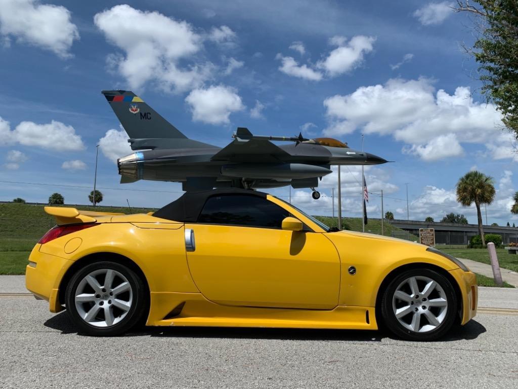 2005 Nissan 350Z Touring photo