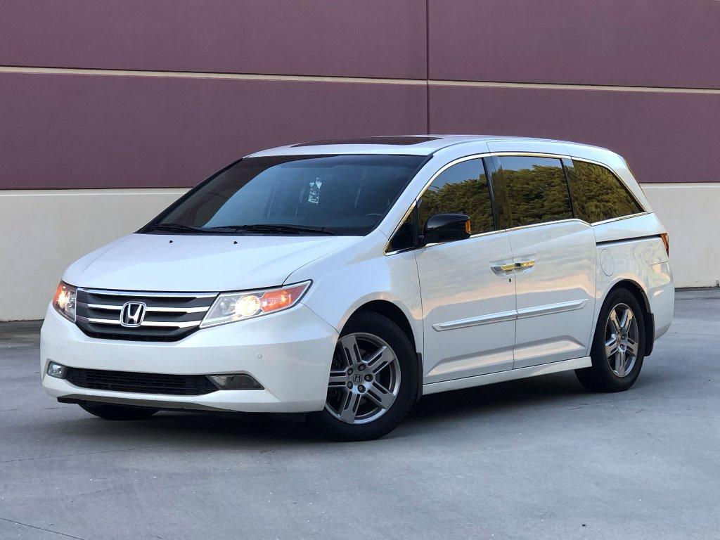 2012 Honda Odyssey Touring photo
