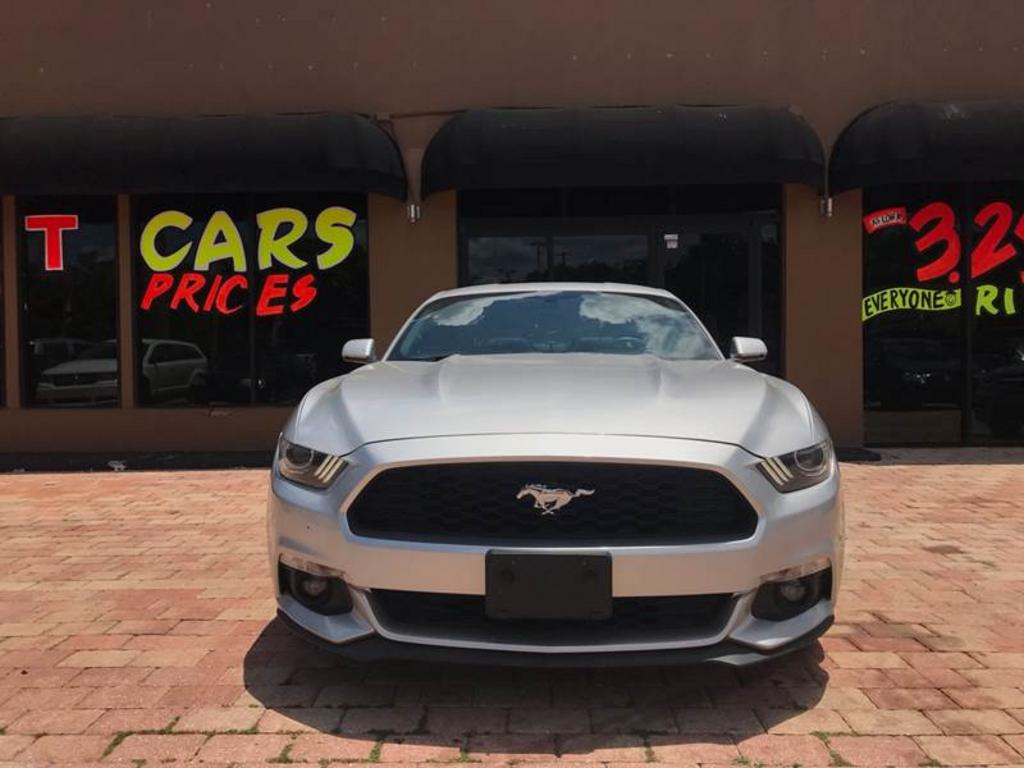 2015 Ford Mustang EcoBoost Premium 2dr Fastback photo