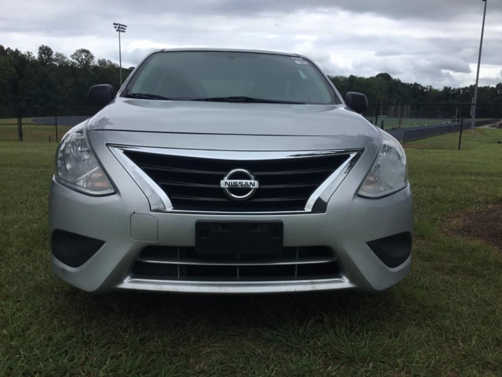 2015 Nissan Versa 1.6 S photo