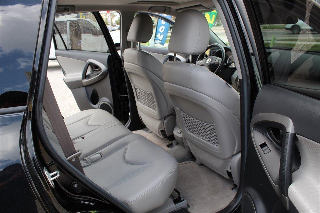 2010 Toyota RAV4 Limited photo