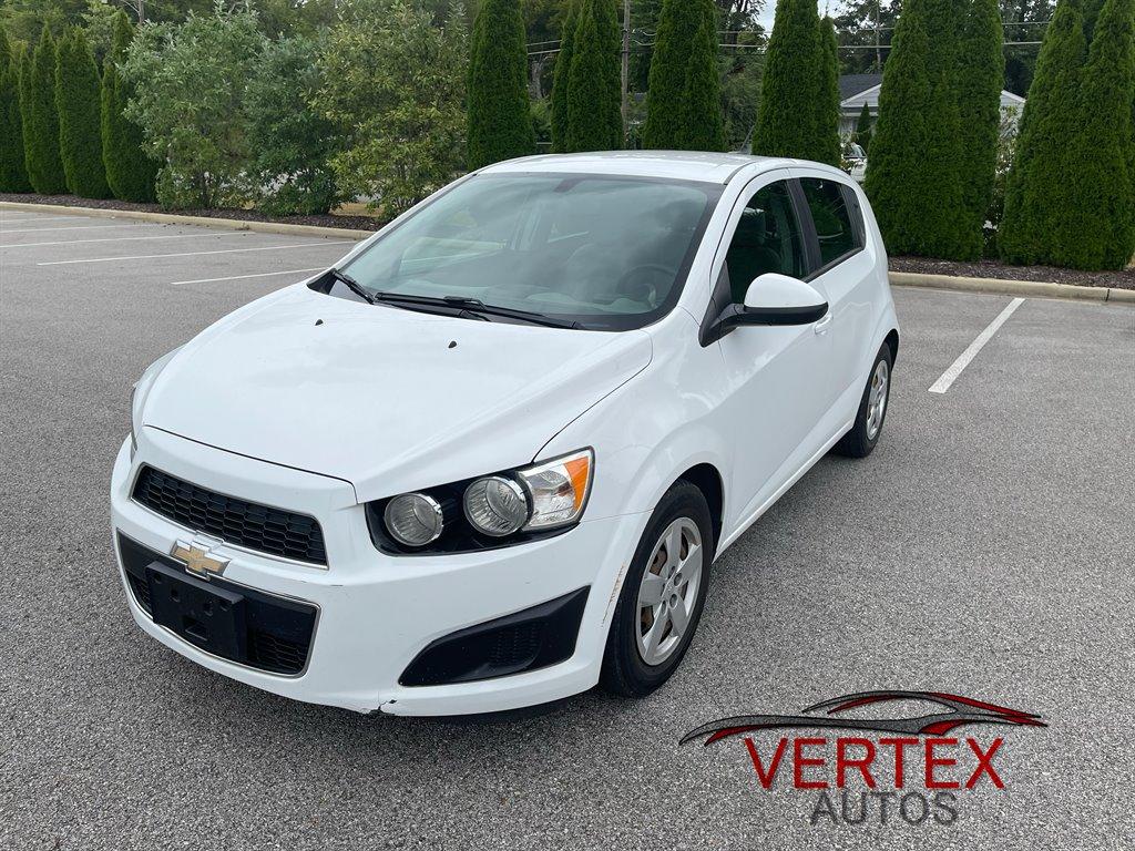 2015 Chevrolet Sonic LS photo