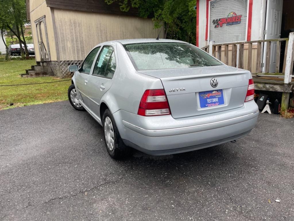 2004 Volkswagen Jetta GL photo