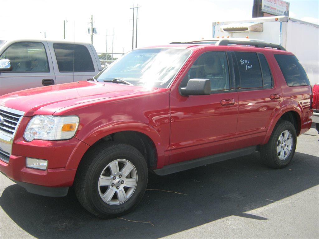 2010 Ford Explorer XLT photo