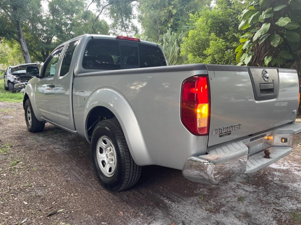 2007 Nissan Frontier XE photo
