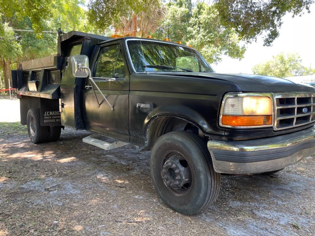 1996 Ford F450SD XL photo