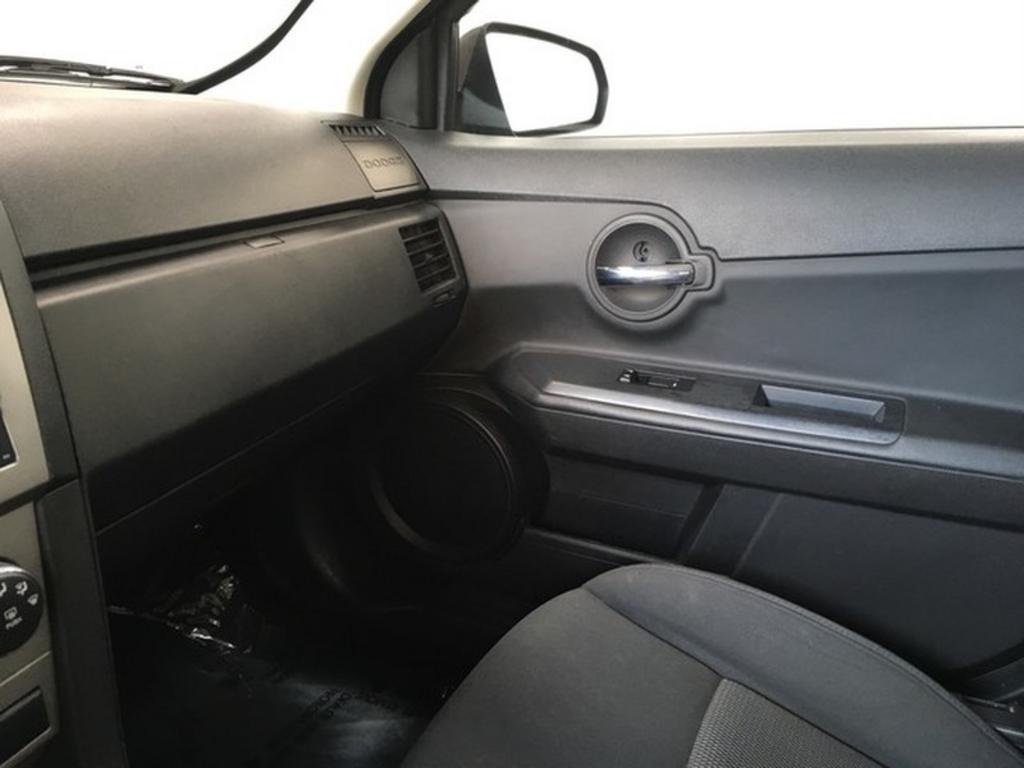 2010 Dodge Avenger SXT photo