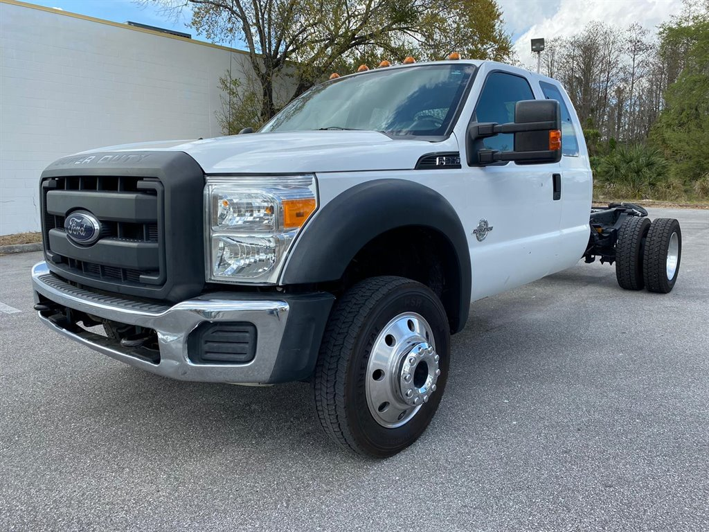 2012 Ford F550 SUPER DUTY Club Chassis photo