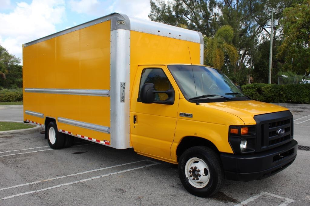 2016 Ford Commercial Vans E350 photo