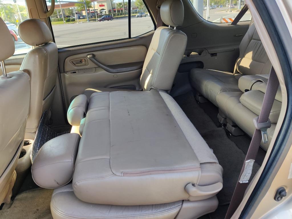 2001 Toyota Sequoia SR5 photo