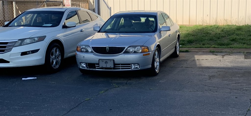 2000 Lincoln LS photo