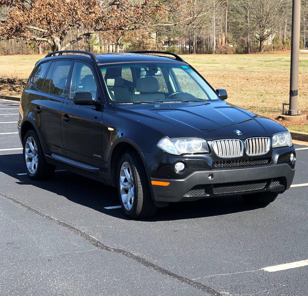 The 2009 BMW X3 xDrive30i photos