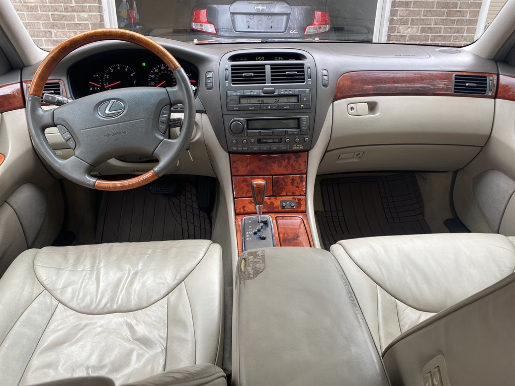 2002 Lexus LS 430 photo