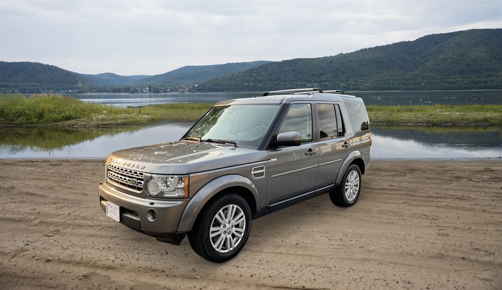 2010 Land Rover LR4 photo