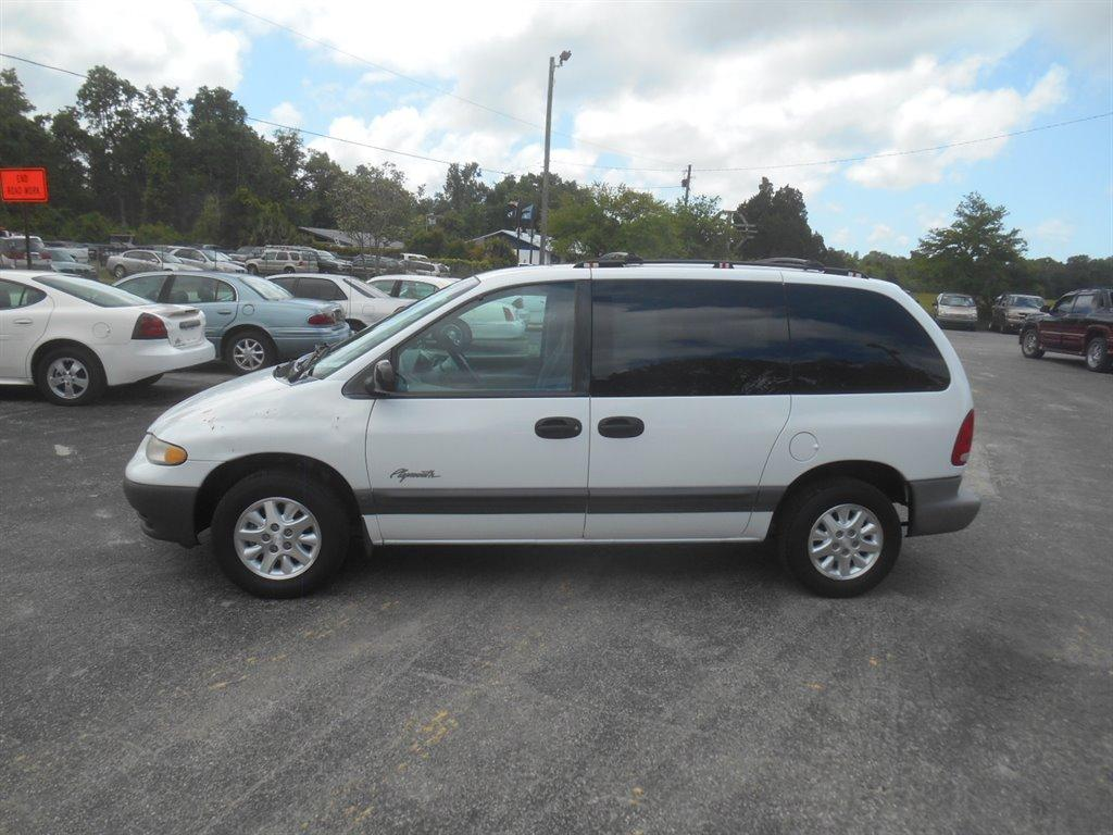 The 1998 Plymouth Voyager Expresso photos