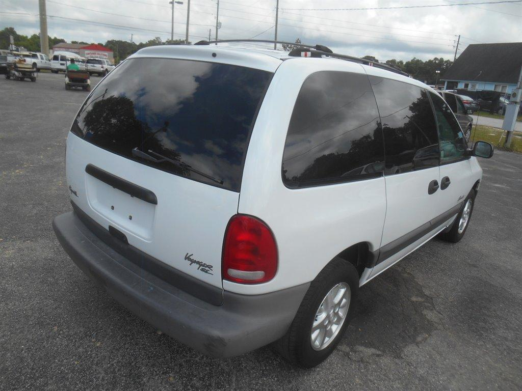 1998 Plymouth Voyager Expresso photo