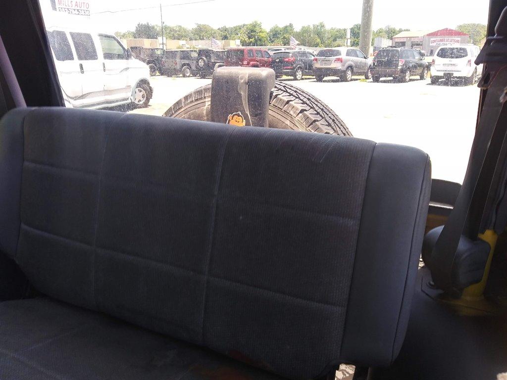 2000 Jeep Wrangler SE photo