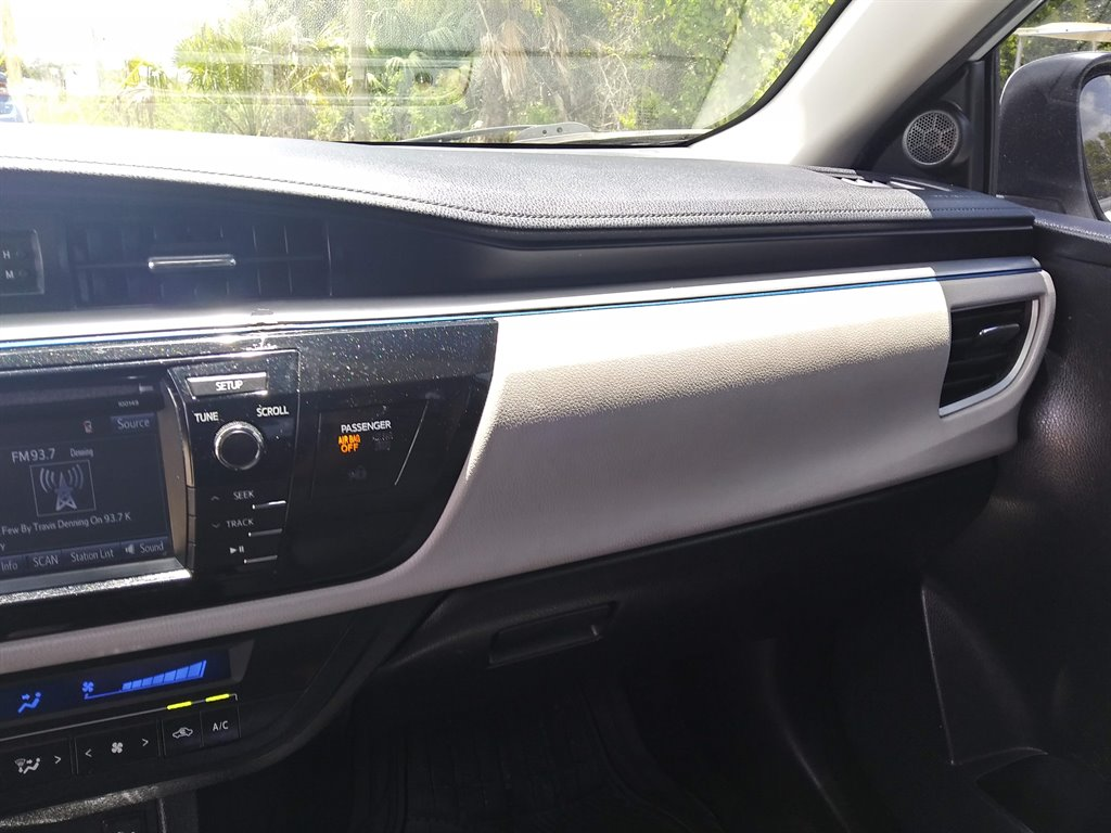 2014 Toyota Corolla L photo