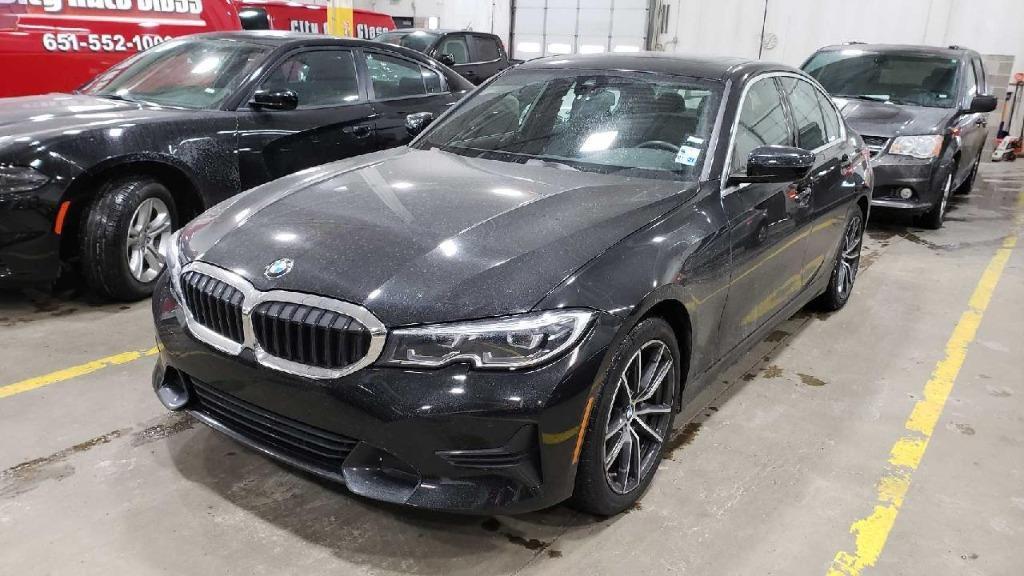2020 BMW 3-Series 330i photo